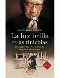 La luz brilla en las tinieblas (Cardenal Van Thuan)
